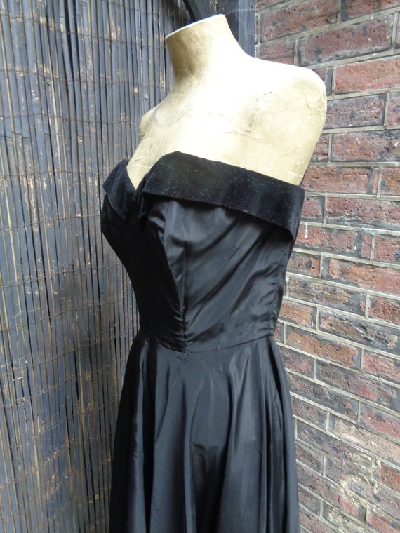 On Hold.......... 1950s TAFFETA EVENING GOWN-50s … - image 7