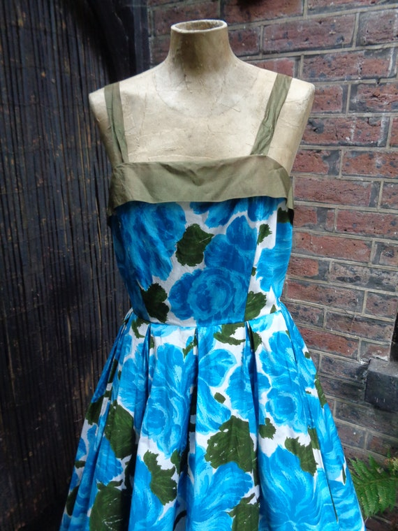 1950s SUN DRESS-50s Floral Sun Dress-50s Large Flo