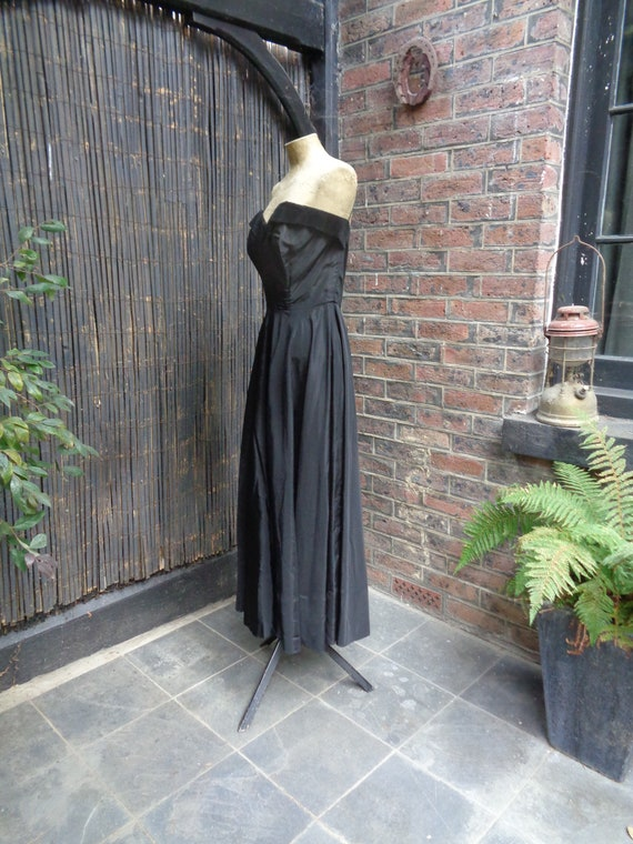 On Hold.......... 1950s TAFFETA EVENING GOWN-50s … - image 2