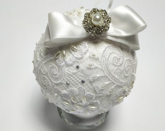 White Christmas bauble with lace and hand-sewn pearls - Christmas tree decorations - handmade baubles