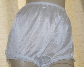 58644f39430b Vintage silky nylon white frilly lace knickers big granny style panties  briefs extra large