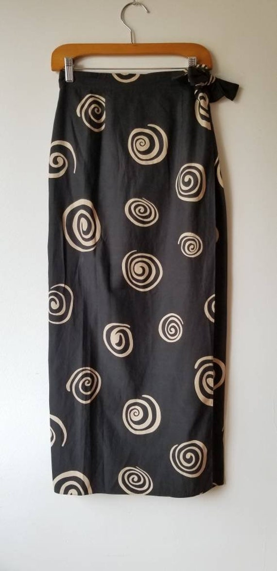 Silk Skirt,  Silk Sarong, Women vintage Silk Walle