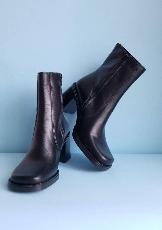 90s Boots, Minimalist Black Vegan Leather Boots, … - image 10