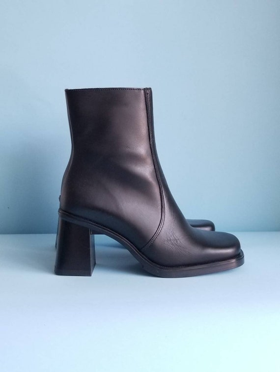 90s Boots, Minimalist Black Vegan Leather Boots, … - image 5