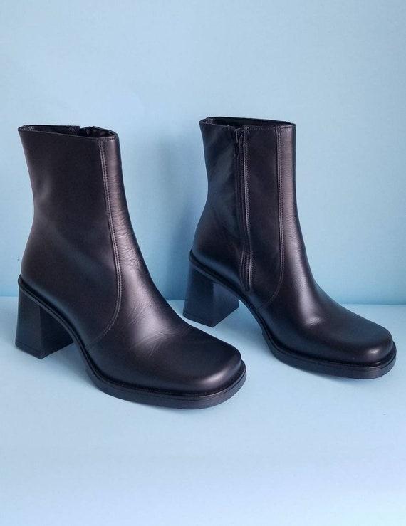 90s Boots, Minimalist Black Vegan Leather Boots, … - image 9