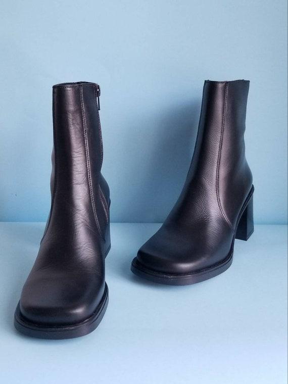 90s Boots, Minimalist Black Vegan Leather Boots, … - image 8