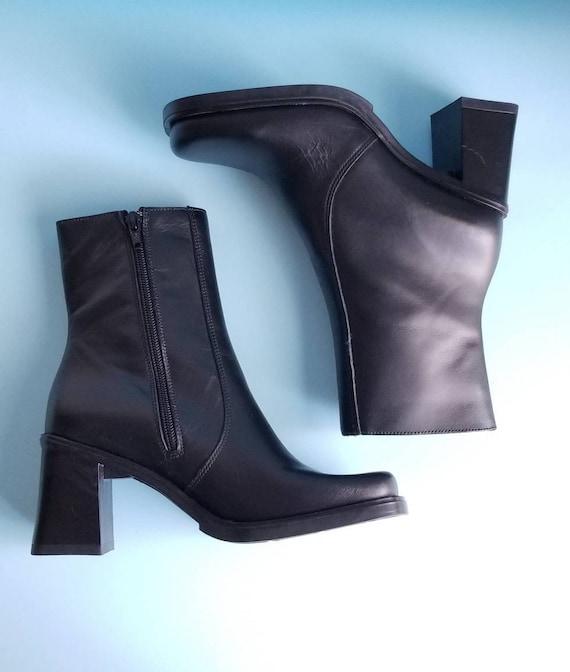 90s Boots, Minimalist Black Vegan Leather Boots, … - image 7