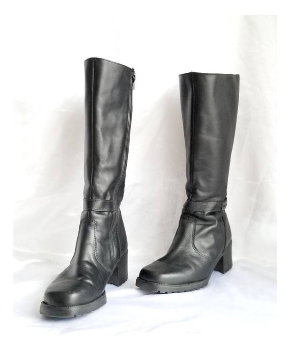 90s Winter Boots Black Leather Vintage Zip Up Boot