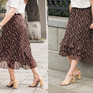 Vintage 90s Melanzana Suede Mini Skirt Leopard Print Animal Cheeta 29 M Punk