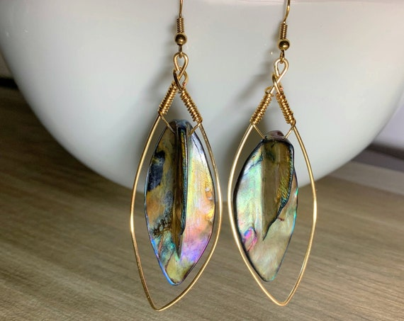 Shell dangle drop earrings