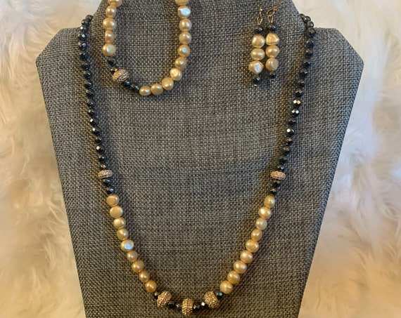 Pearls and Hematite necklace set