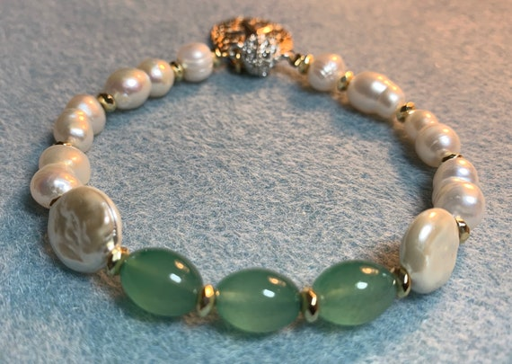 Beach vibes pearl bracelet