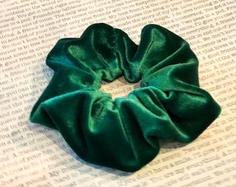 Kelly Green Stretch Velvet Scrunchie