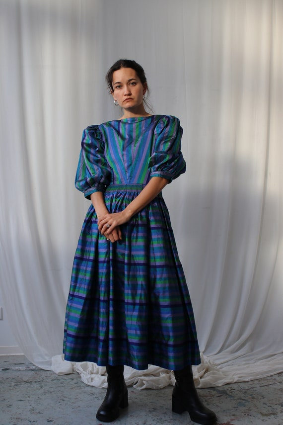 The Puffiest Puff Sleeve True Vintage Peasant Dre… - image 5