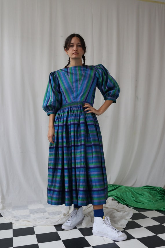 The Puffiest Puff Sleeve True Vintage Peasant Dre… - image 7
