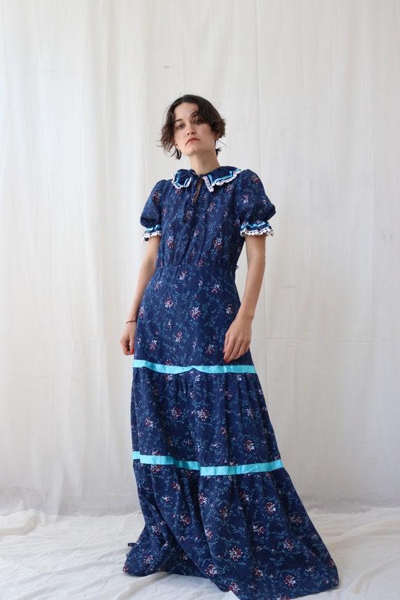 True Vintage Blue Floral Ruffle neck Milkmaid Peas