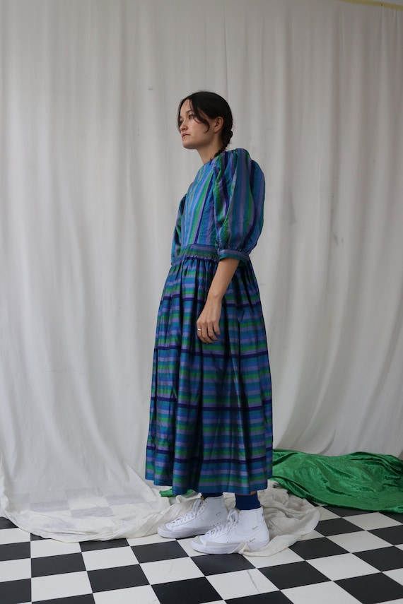 The Puffiest Puff Sleeve True Vintage Peasant Dre… - image 2