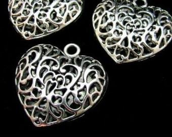 50 x Tibetan Silver Filigree Hollow Leaf Heart Charms Pendant Jewelry Gift