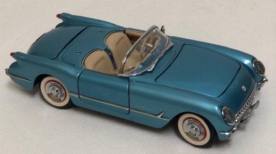 AMT 1955 Corvette Roadster Body and Interior Set 1//25 Scale