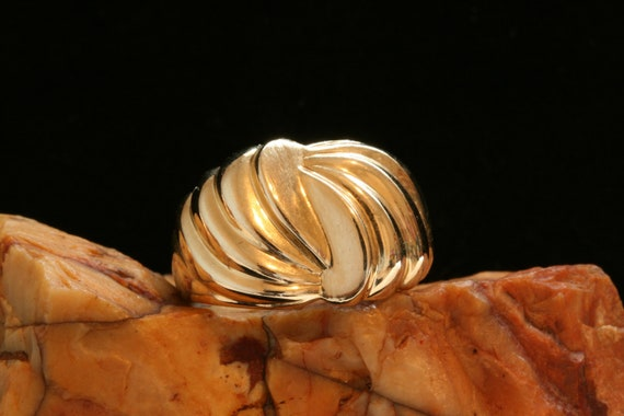 14k Gold Vintage Ring, Solid Gold Pattern Vintage