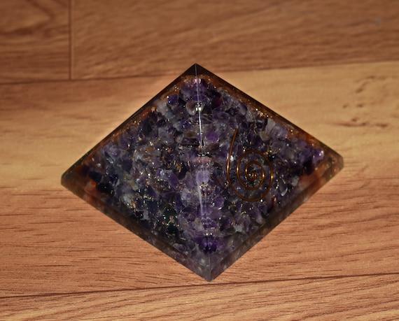 65-70Mm Purple Fluorite Orgonite Pyramid Reiki Spiritual Gemstone Emf Protection