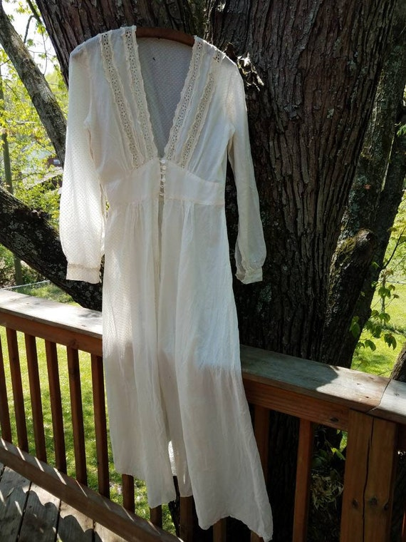 Beautiful Antique early 1900's  Peignoir Robe