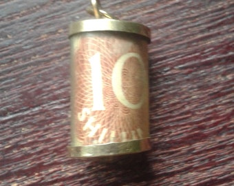 Vintage 10 Shilling 9ct Gold Charm
