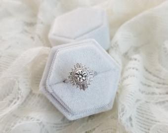Velvet Ring Box, Pearl White, Single   Engagement Ring & Wedding Set Elegant Keepsake Box