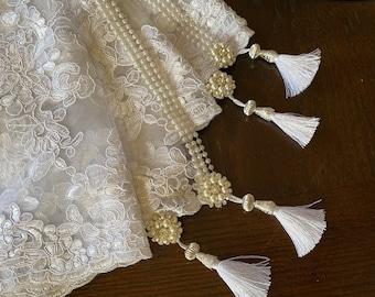 Sofreh Aghd white sugar cloth, kaleh ghand cloth