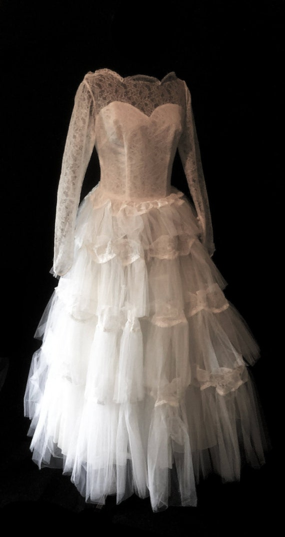 Vintage Wedding Dress | 1950s tiered wedding dress