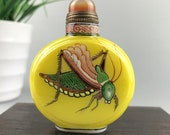 Glazed snuff bottle hand-painted insects exquisite modeling