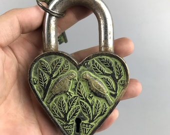 MTMTOOL Antique Carved Auspicious Fish Leaf Padlock Vintage Chinese Lock with Key for Jewelry Box Drawer
