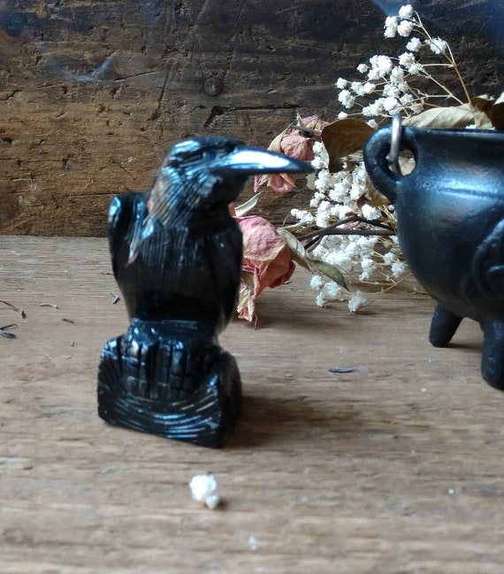 Black Onyx Crow, Carved Onyx Raven, Carved Stone Corvus, Hand-Carved Onyx Bird