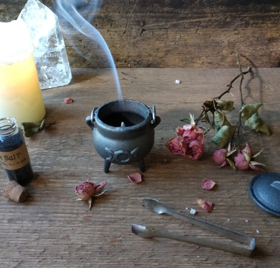 Mini Cast Iron Cauldron, Triple Moon Cauldron, Witchy Mini Cauldron, Incense Burner Cauldron, Sage Burner Cauldron, Cast Iron Burner