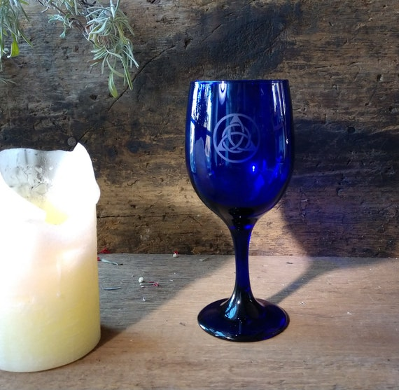 Triquetra Chalice, Witch's Triquetra Chalice, Blue Chalice with Etched Triquetra Celtic Design, Witchy Altar Chalice