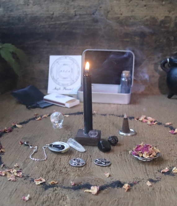 Hecate Pocket Altar, Mini Hecate Altar, Dark Themed Hecate Altar