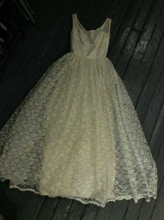 VIntage lace wedding dress,