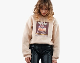 Beige cropped t-shirt with print Missing Panchen Lama