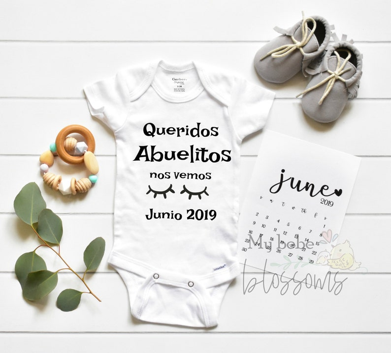 Spanish Baby Reveal to New Grandparents Onesie only