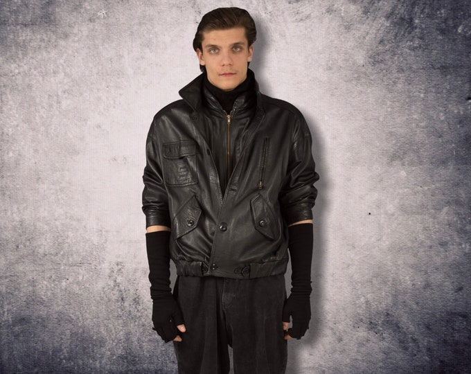 Vintage 80s black, real leather, classic  casual  men's leather bomber jacket