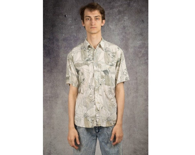 Subtle artsy print summer collared shirt from the 90s for Old School Clothing Lovers