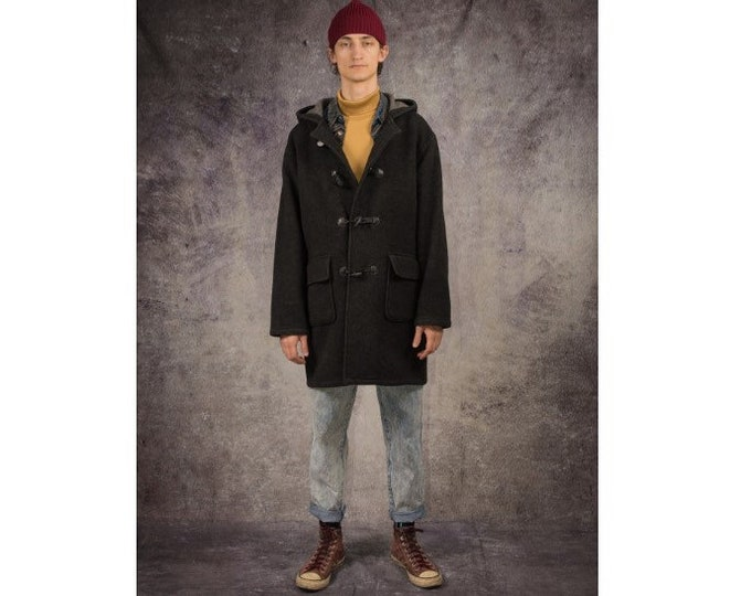 90s duffle coat with a toggle fastening, in dark grey color / menswear vintage clothing by MOOHA