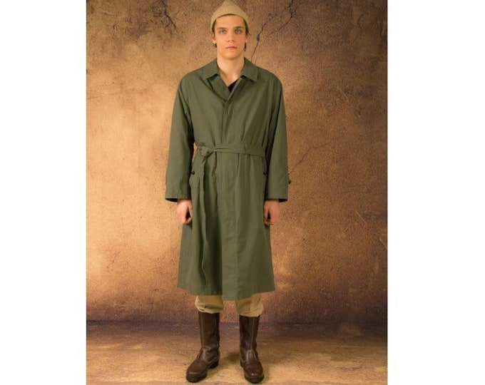 Men's classic khaki, padded coat from the 90s / menswear vintage clothing size M