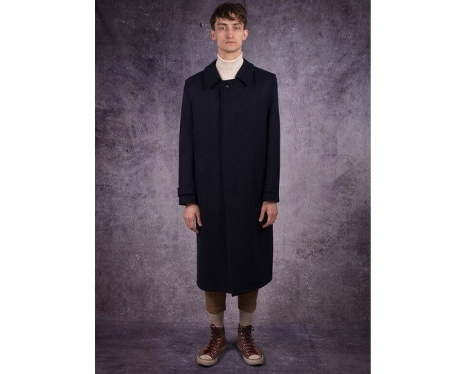 90s long coat in elegant style, with simple, casual collar, navy blue color / menswear vintage clothing