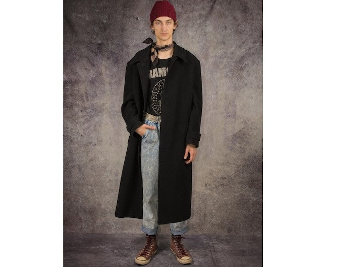 Vintage 90s long coat with hidden buttons and casual colar in black color / menswear vintage clothing by MOOHA
