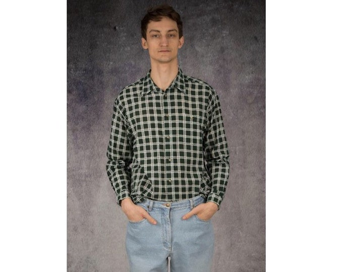 Mens vintage 90s long sleeve checkered, green and white grunge style button up shirt