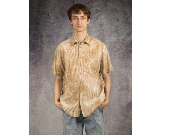 Old school 90s summer shirt with short sleeve abstract artsy print for men size L
