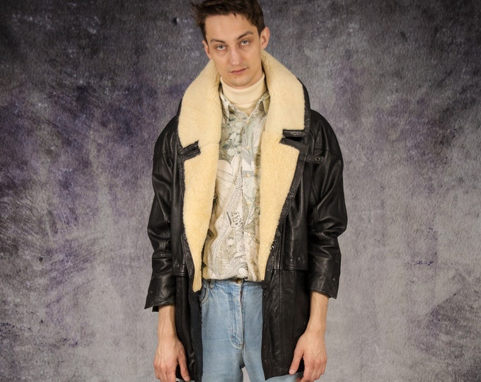 90s Vintage black real leather men's sherpa jacket / overcoat with beige fur collar / Old School Clothing by Mooha