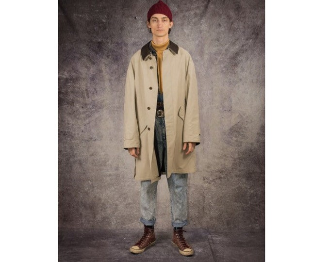 90s trench coat in minimalistic style with casual collar, in beige color / menswear vintage clothing by MOOHA