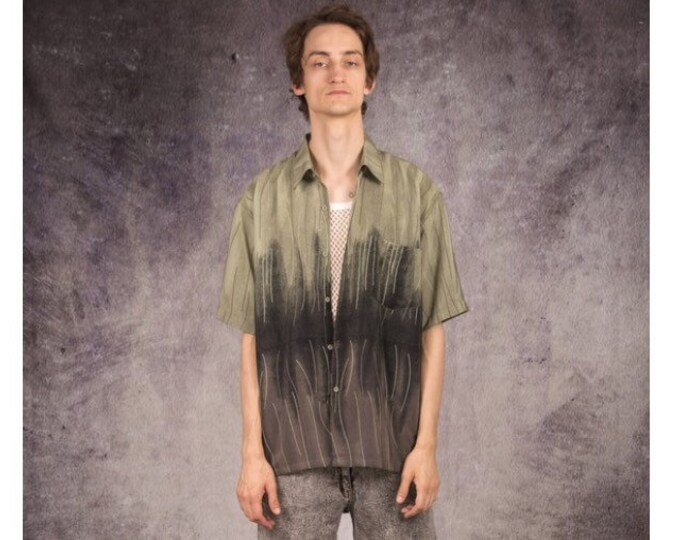 90s short sleeve shirt with gray, brown and green graphic pattern / Mooha Menswear
